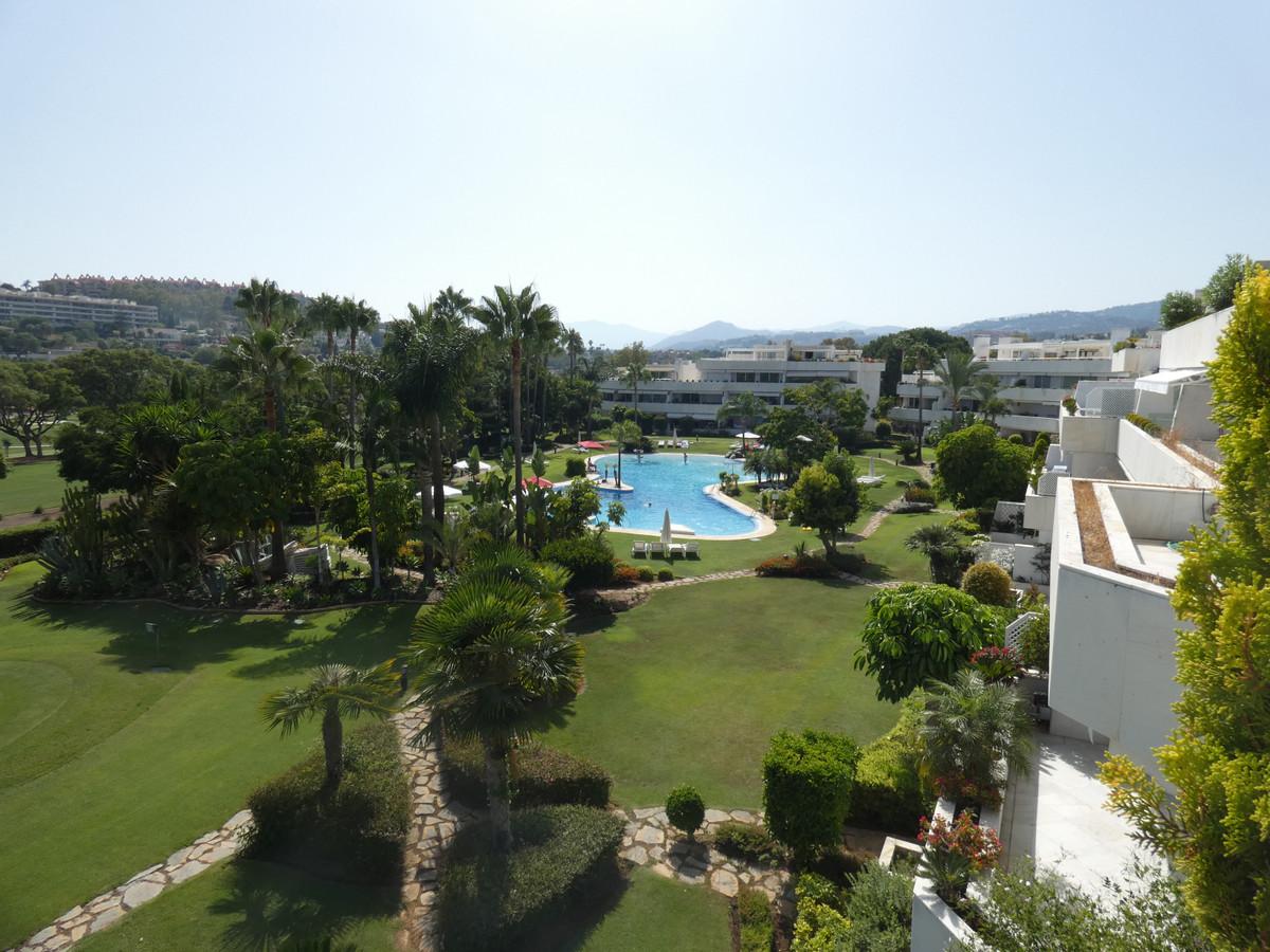 Marbella Banus Ático en Venta en Las Brisas – R3471547