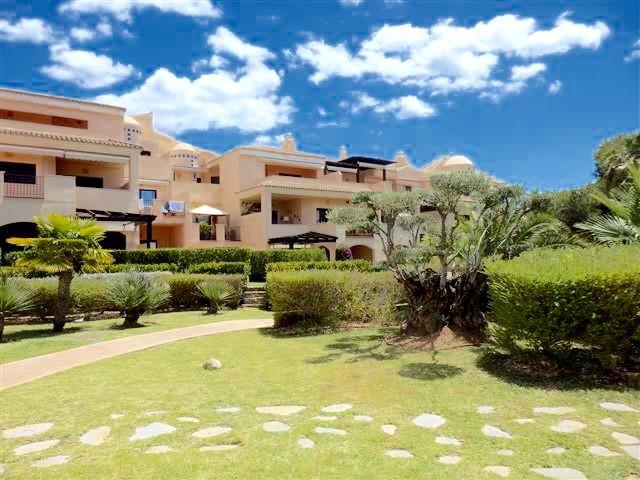 Marbella Banus Apartamento en Venta en Puerto Banús – R3076864