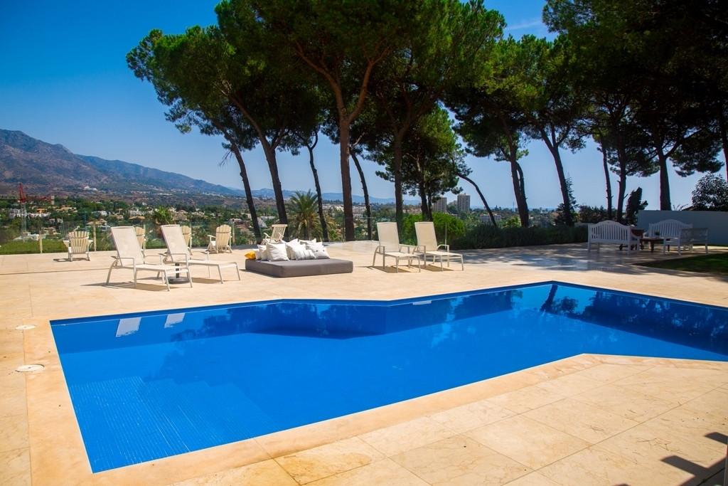 Marbella Banus Villa – Chalet en Venta en Nueva Andalucía – R3049258