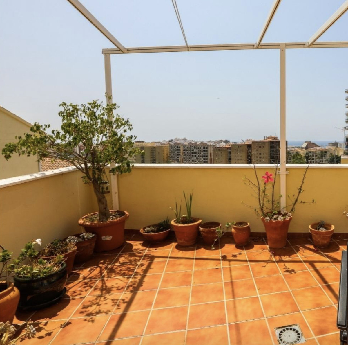 Large townhouse with 3 floors, large terraces and sea views in Almunecar. Corner. A large garage and, Spain