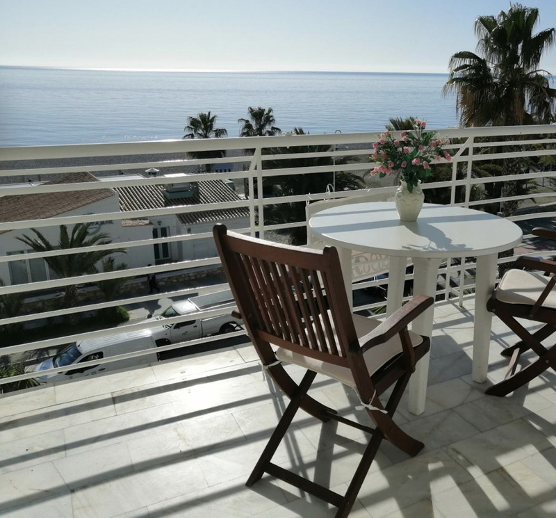 Middle Floor Apartment in Almuñecar for sale