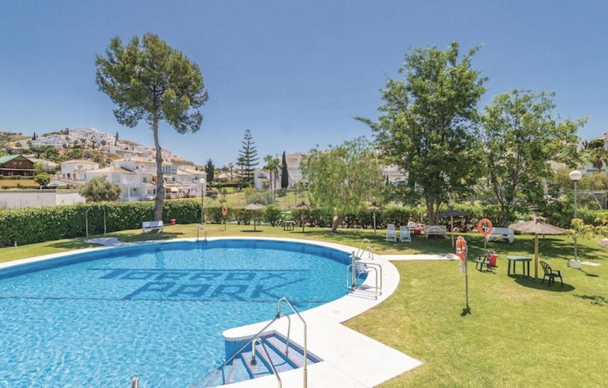 Ref:R3484783 Apartment - Penthouse For Sale in Torrox