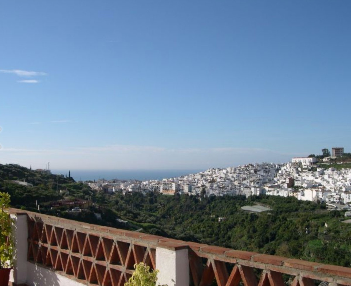 Fabulous detached, family villa located just outside of Torrox Pueblo consisting offering 5 bedrooms,Spain