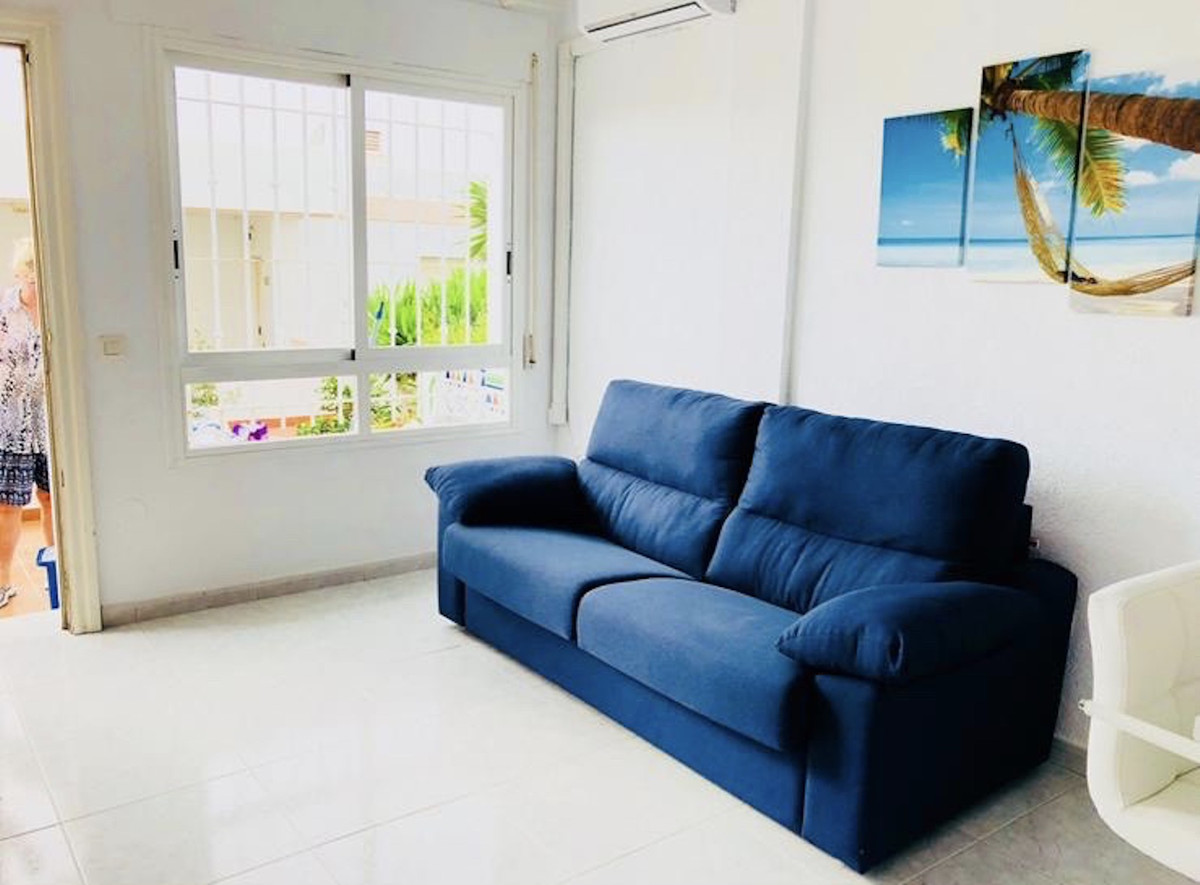 Ref:R3728485 Apartment - Middle Floor For Sale in Torrox