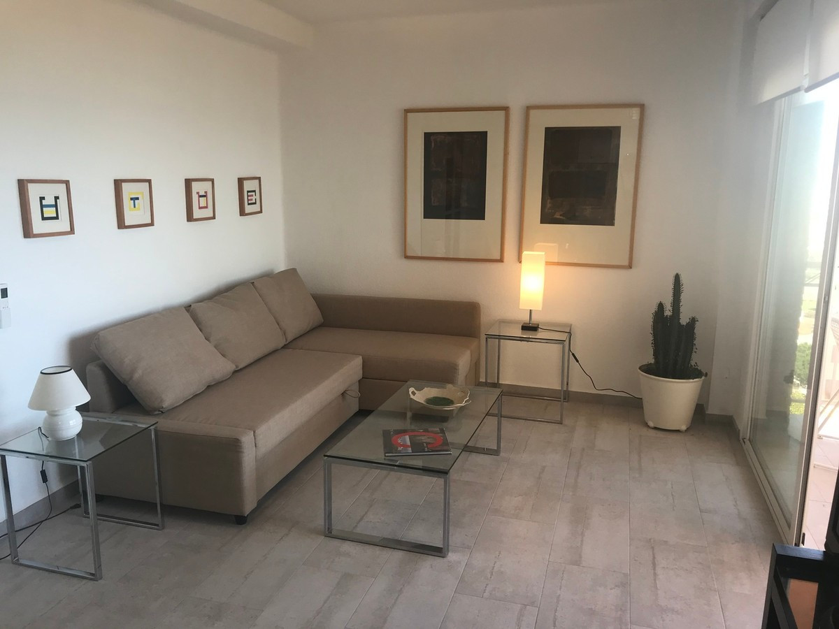 Situated just a few minutes from the beach and paseo maritimo of Torrox Costa, this beautiful studio,Spain