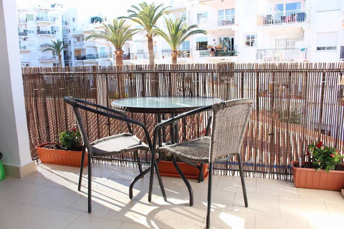 Ref:R3499018 Apartment - Middle Floor For Sale in Nerja