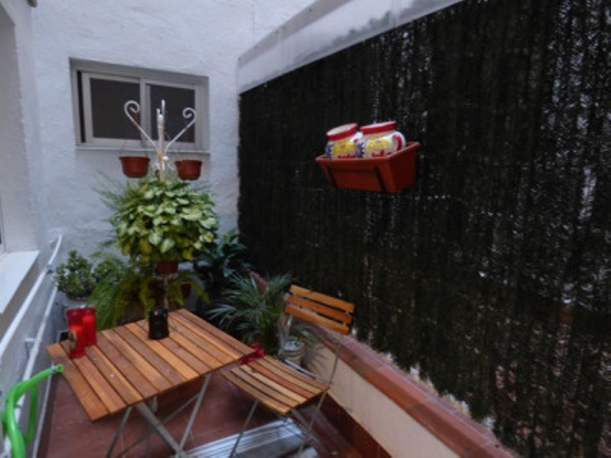 Fully renovated and modern apartment near the city centre. This 2 bedroom, 1 bathroom apartment with,Spain