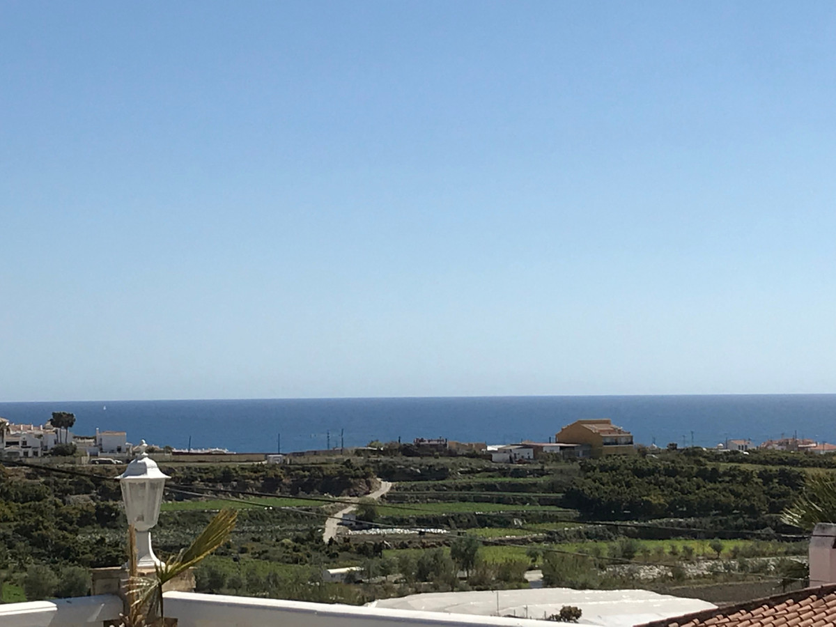 R3379426: Villa - Detached for sale in Torrox Costa