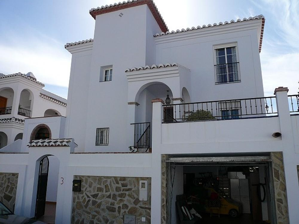 Detached house located just before the white washed village of Frigiliana, with private pool and amp,Spain