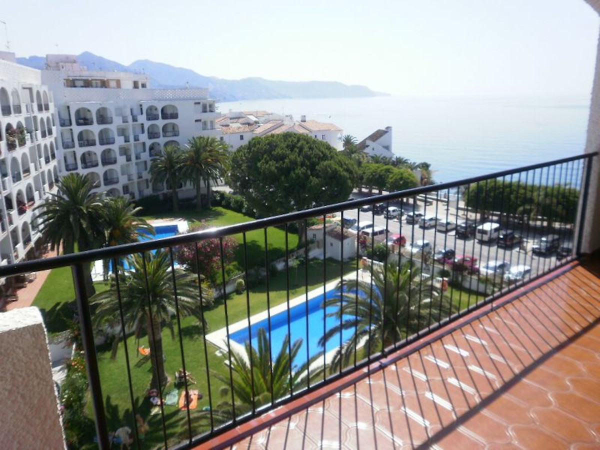 Ref:R3436432 Apartment - Middle Floor For Sale in Nerja