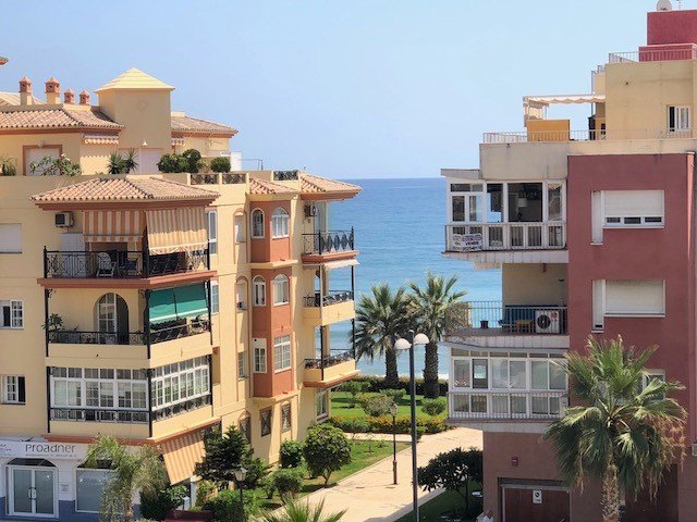 Ref:R3255379 Apartment - Middle Floor For Sale in Torrox Costa
