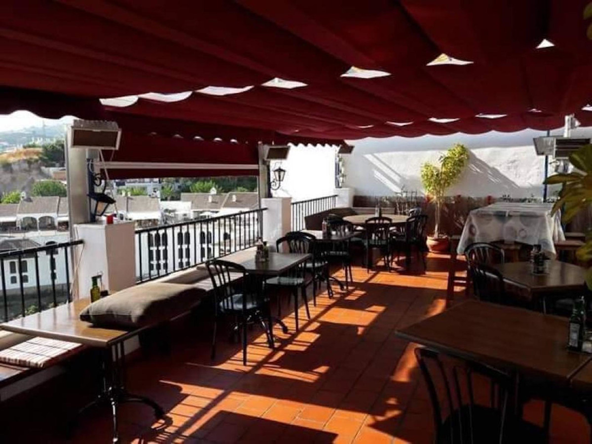 OPPORTUNITY! A fully functioning business available in Frigiliana. The premises is located centrally, Spain