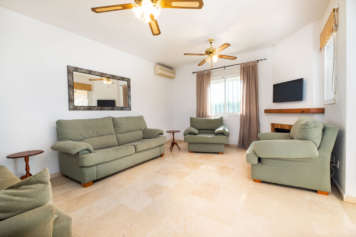 6 Bedroom Terraced Townhouse For Sale Los Pacos