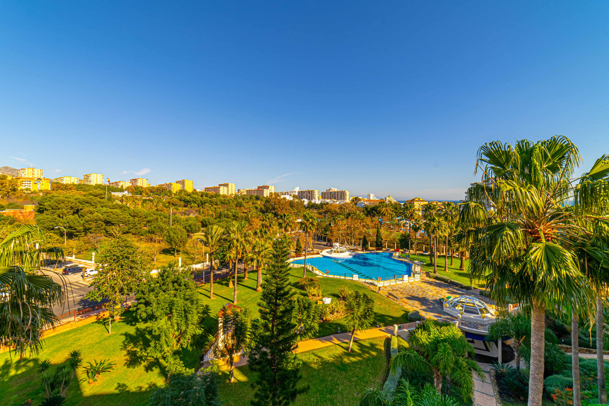 High quality home in famous Bellaggio urbanisation in Parque de la Paloma. This two bedroom home is ,Spain