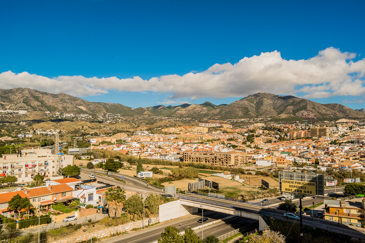 Beautiful dublex penthouse with incredible panoramic views, situated in Los Boliches just around all,Spain