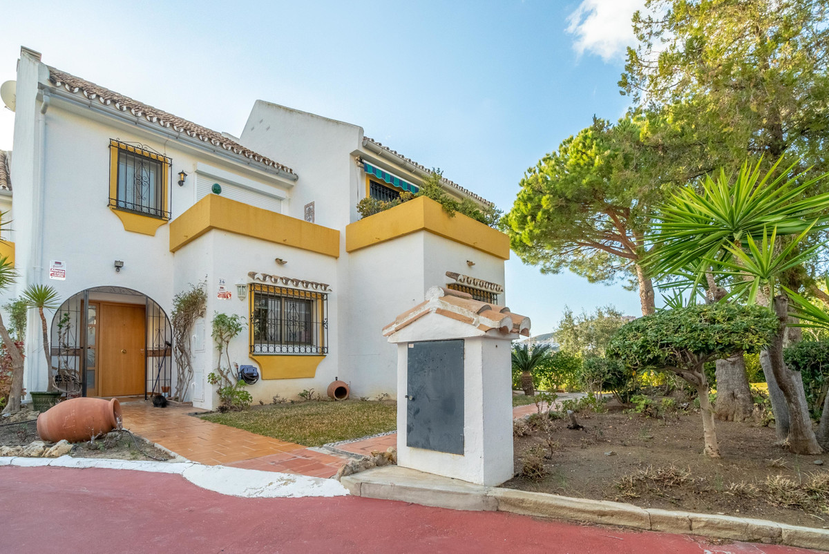 3 Bedroom Townhouse For Sale, Calahonda