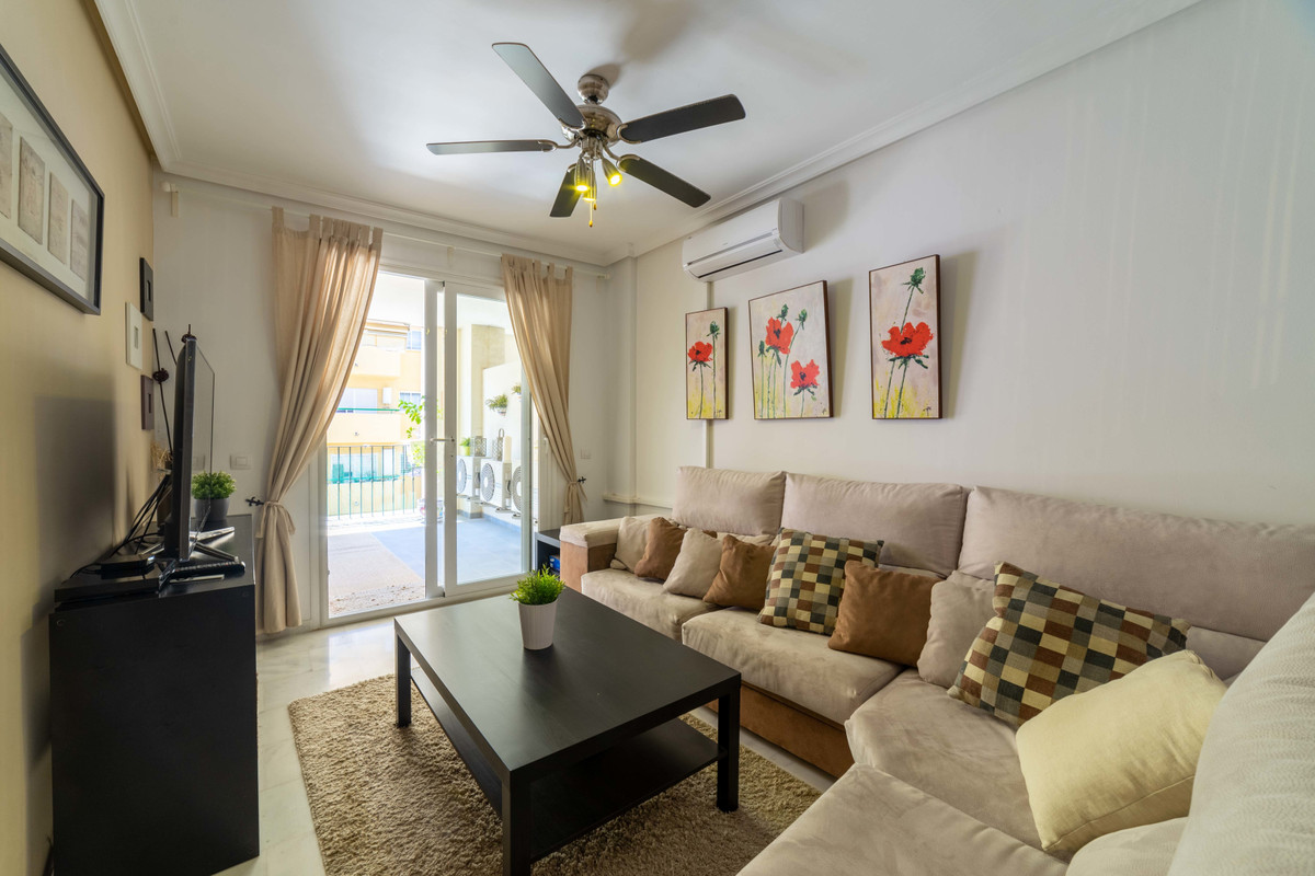 Spacious two bedroom apartment in the lower part of Los Pacos. The main bedroom is spacious and has ,Spain