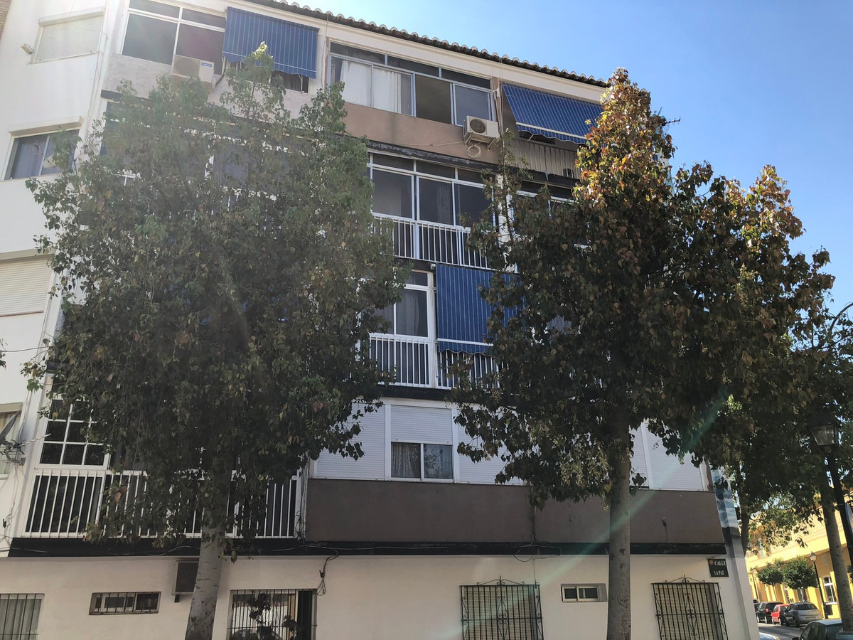 This three bedroom apartment in Boquetillo (near the Avenida de Mijas)  Fuengirola needs new owner w, Spain