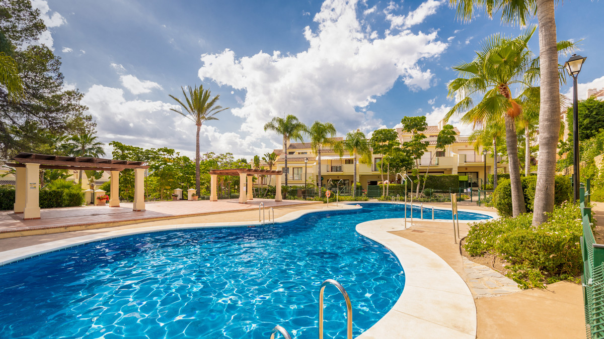 This lovely apartment situate in beautiful Marbella area, close Puerto Banus, has got an spectacular,Spain