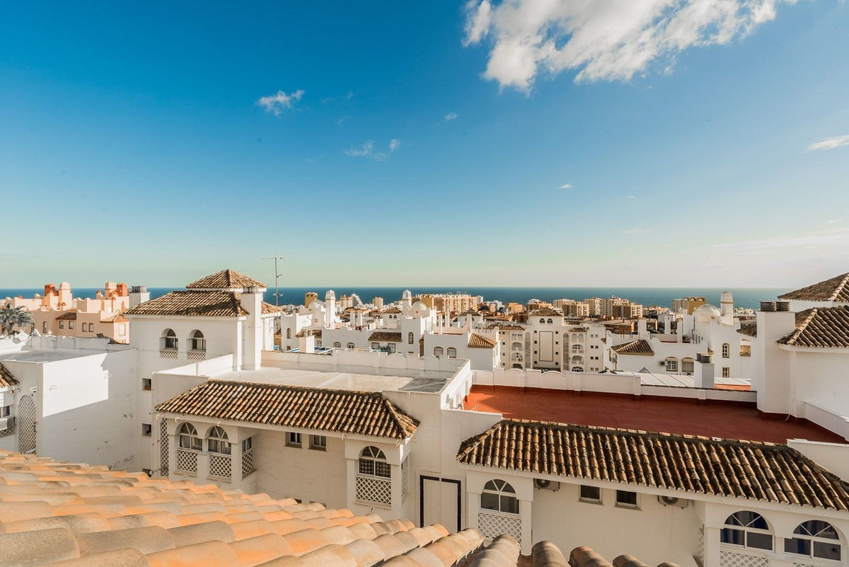 Are you looking for perfect home for you family in Benalmadena? This is your change to move in to a ,Spain