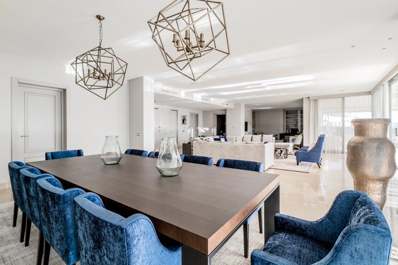 Villa – Chalet en venta en La Quinta – R3163672