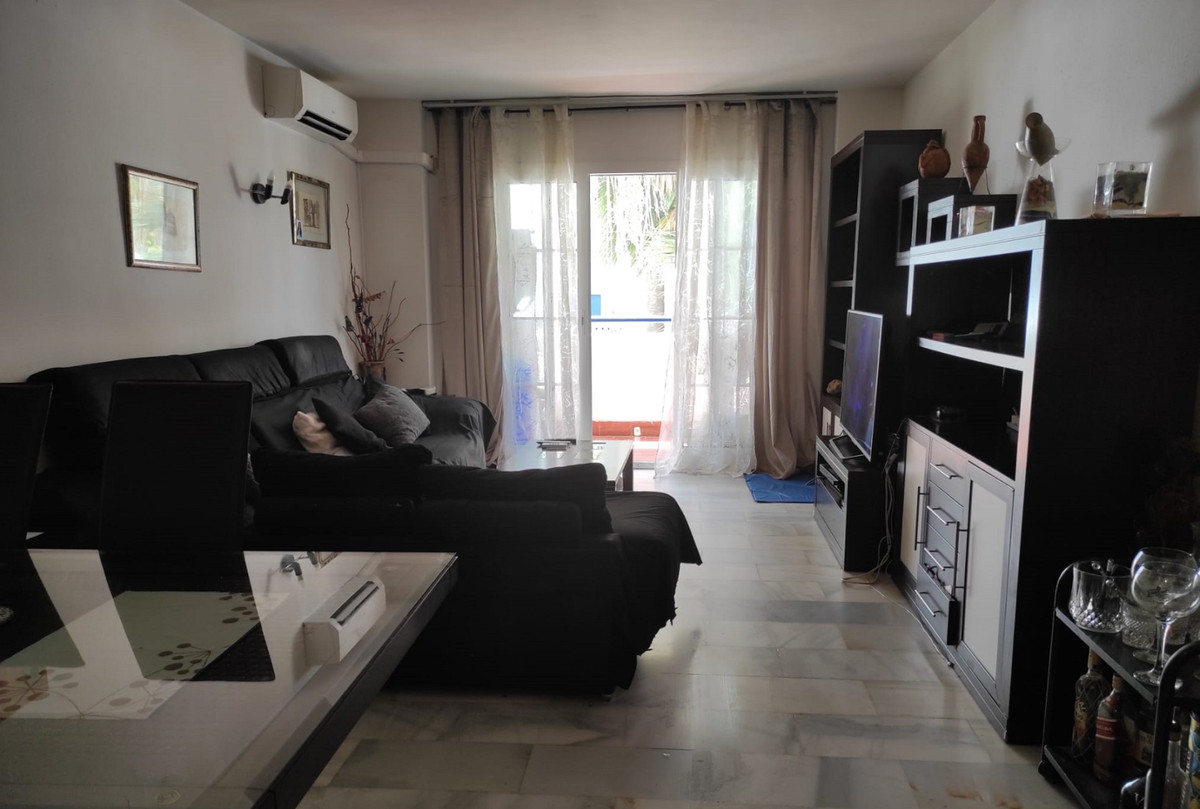 SUPER APARTMENT IN HUELIN WITH 4 BEDROOMS, 2 BATHROOMS , IN ONE OF THE BEST AREAS OF MALAGA, A FEW M,Spain