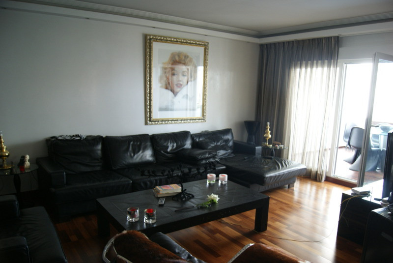 Beautiful apartment, located in a fenced complex with 24 hours security, in the centre of Puerto Ban,Spain