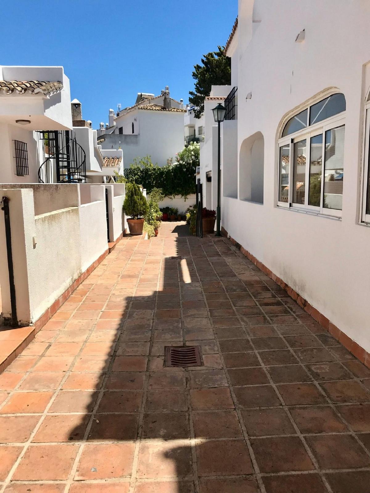 Long Term Rental - Townhouse - Torrequebrada - 5 - mibgroup.es