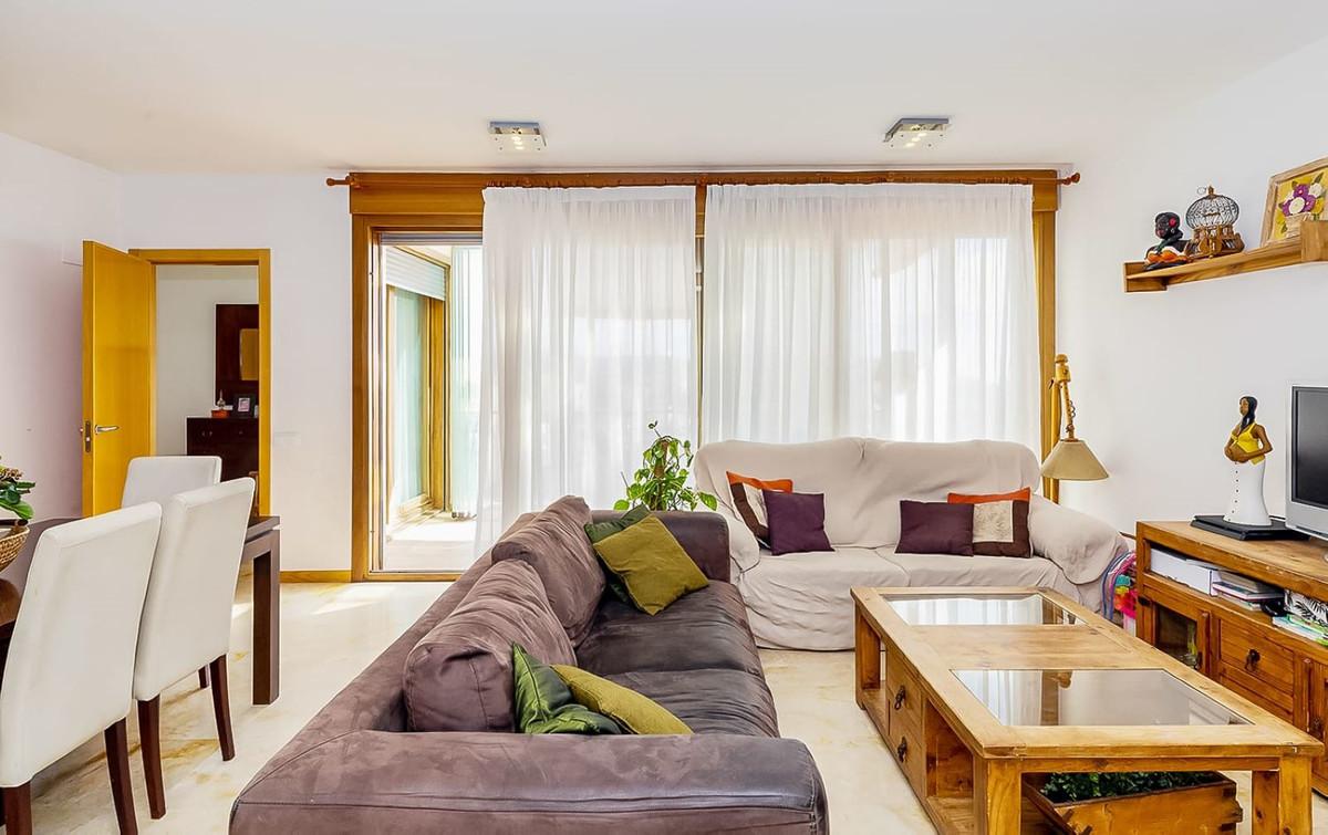 Marbella Banus Apartamento Planta Media en Venta en Marbella – R3676898