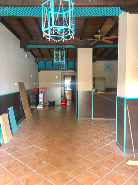 Local 80 square meters ideal for cafeteria, bar or teteria. It is very spacious, bright and clean, h, Spain