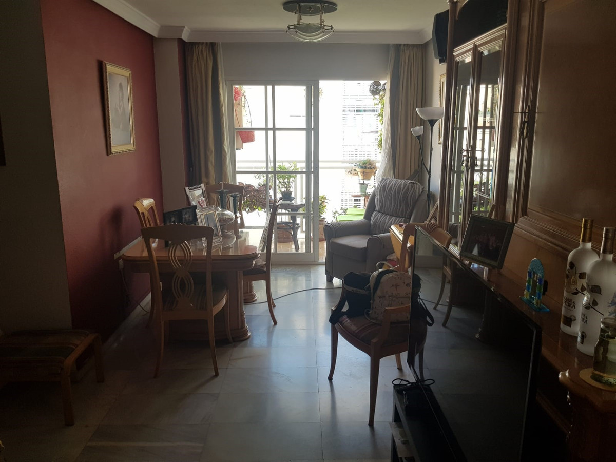 Fantastic apartment in Los Arcos, with wonderful views of Malaga to the port. This house is a sixth ,Spain
