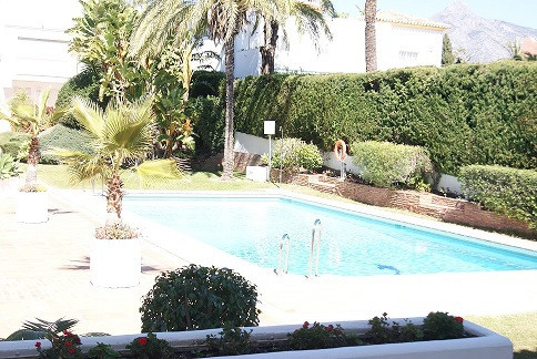 Very large apartment, located in a luxury urbanization, three minutes walk from Puerto Banus. Very w,Spain