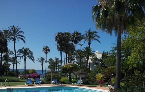 """Luxury apartment for sale in urbanization Alcazaba Beach, on the road . Estepona. It is locate, Spain"