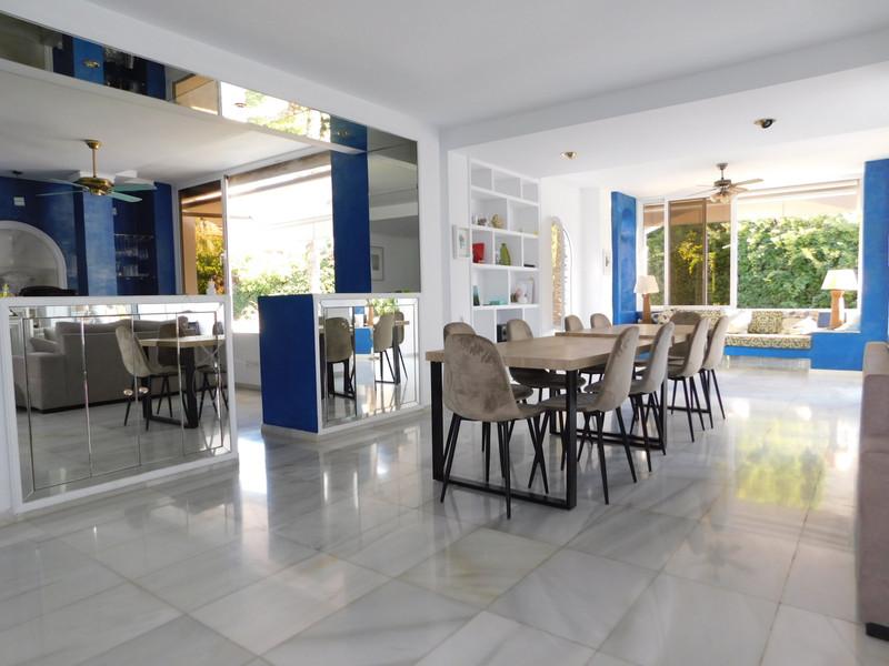 Apartamento Planta Media en venta, Puerto Banús – R3177682