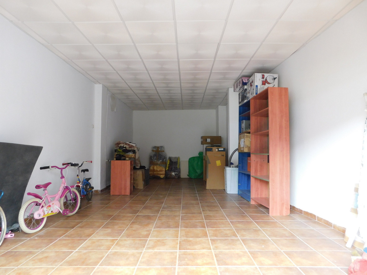 Commercial premises of 40 square meters, located in MALAGA CAPITAL. Near the train station. Ready fo, Spain