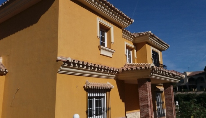 Brand new villa, plot 1000m2. House with 4 bedrooms, living room, kitchen, 2 bathrooms, terraces, se, Spain