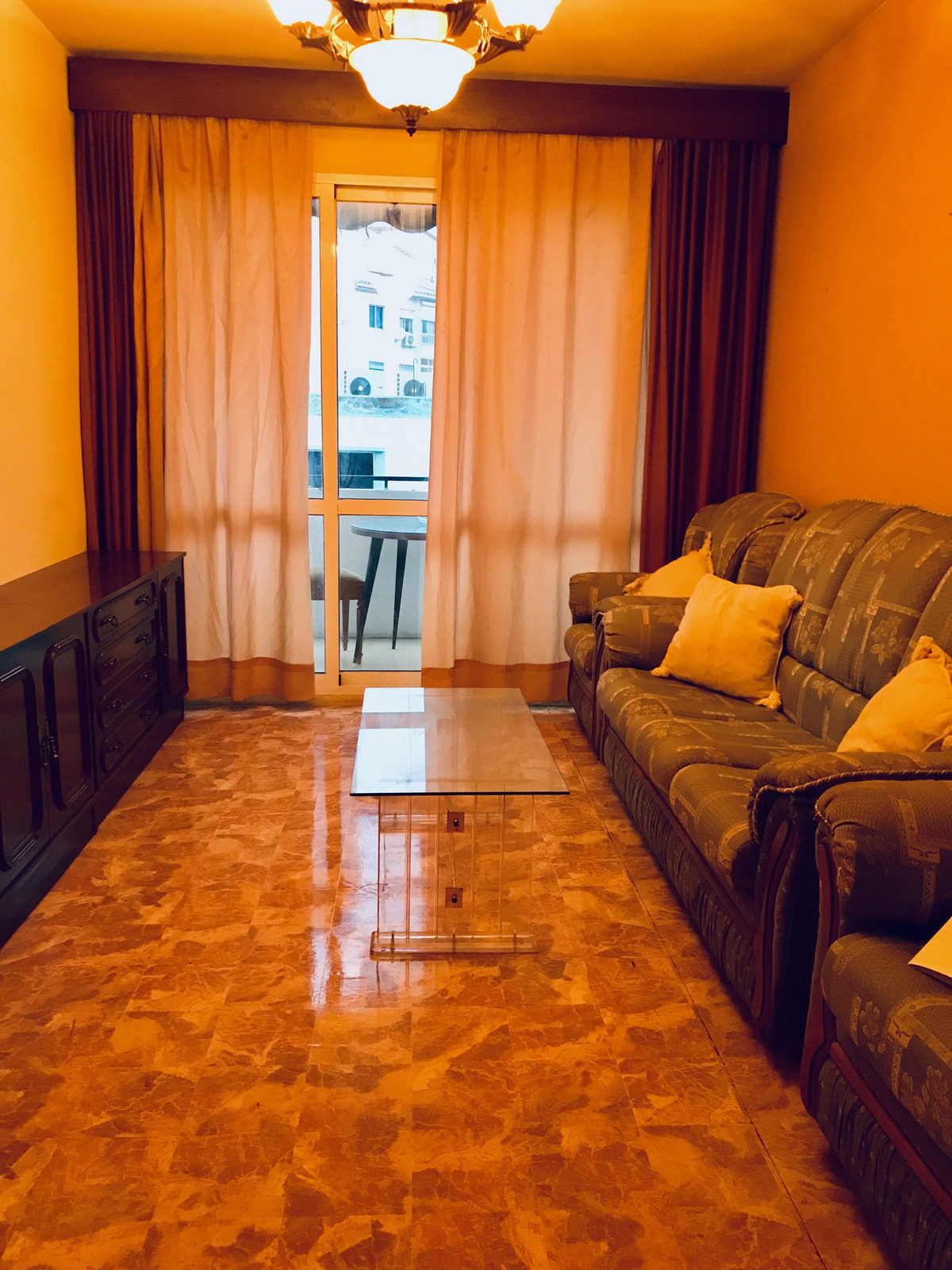 Ample floor to reform of 3 bedrooms, a bathroom, balcony, zone surrounded of all the services Metro,,Spain