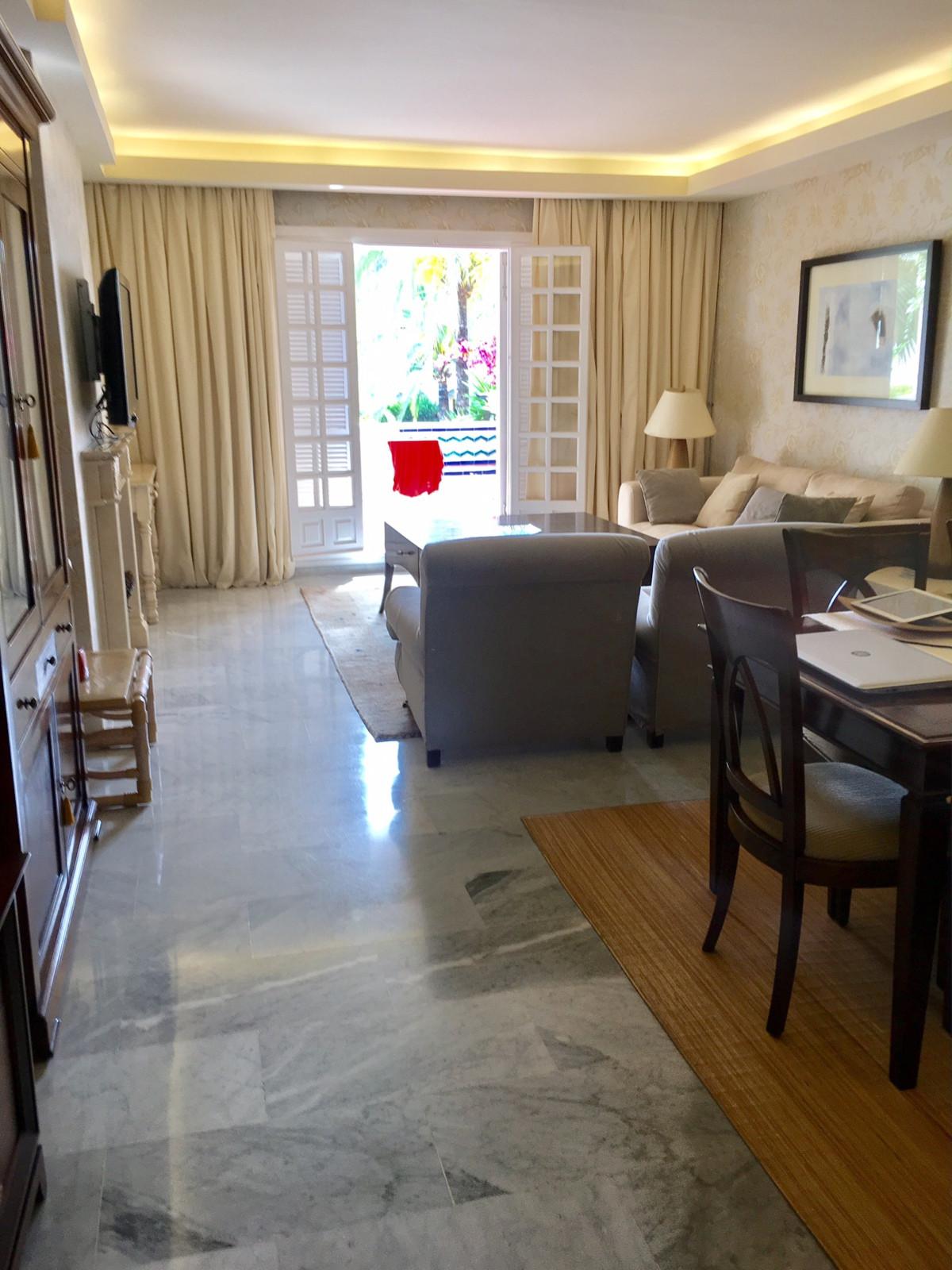 Marbella Banus Apartamento Planta Media en venta en Marbella – R2906873