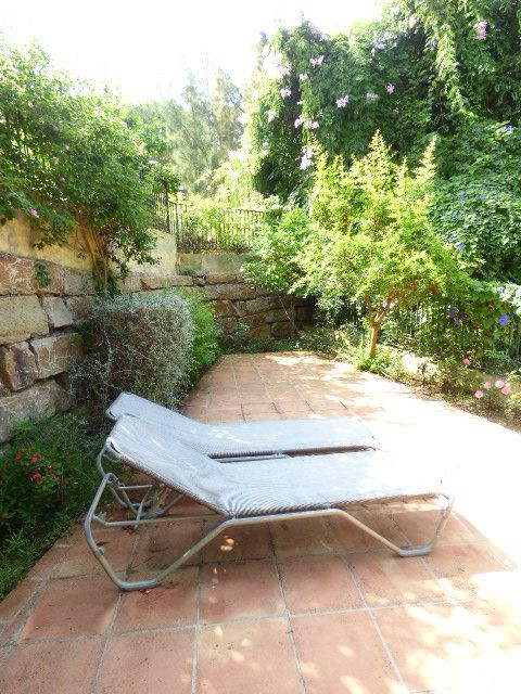 Beautiful independent Villa in an alone plant located in Elviria Residential zone, parcels of 1000 m, Spain