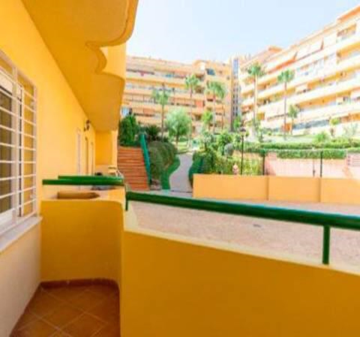 This fantastic apartment is located within a very demandedt residential at Los Pacos. The apartment  Spain