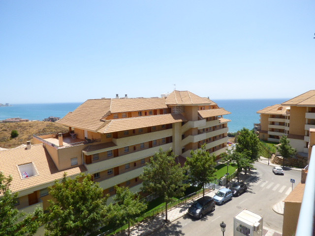 Beautiful apartment very well presented with a sunny terrace facing south-east. This property is loc,Spain