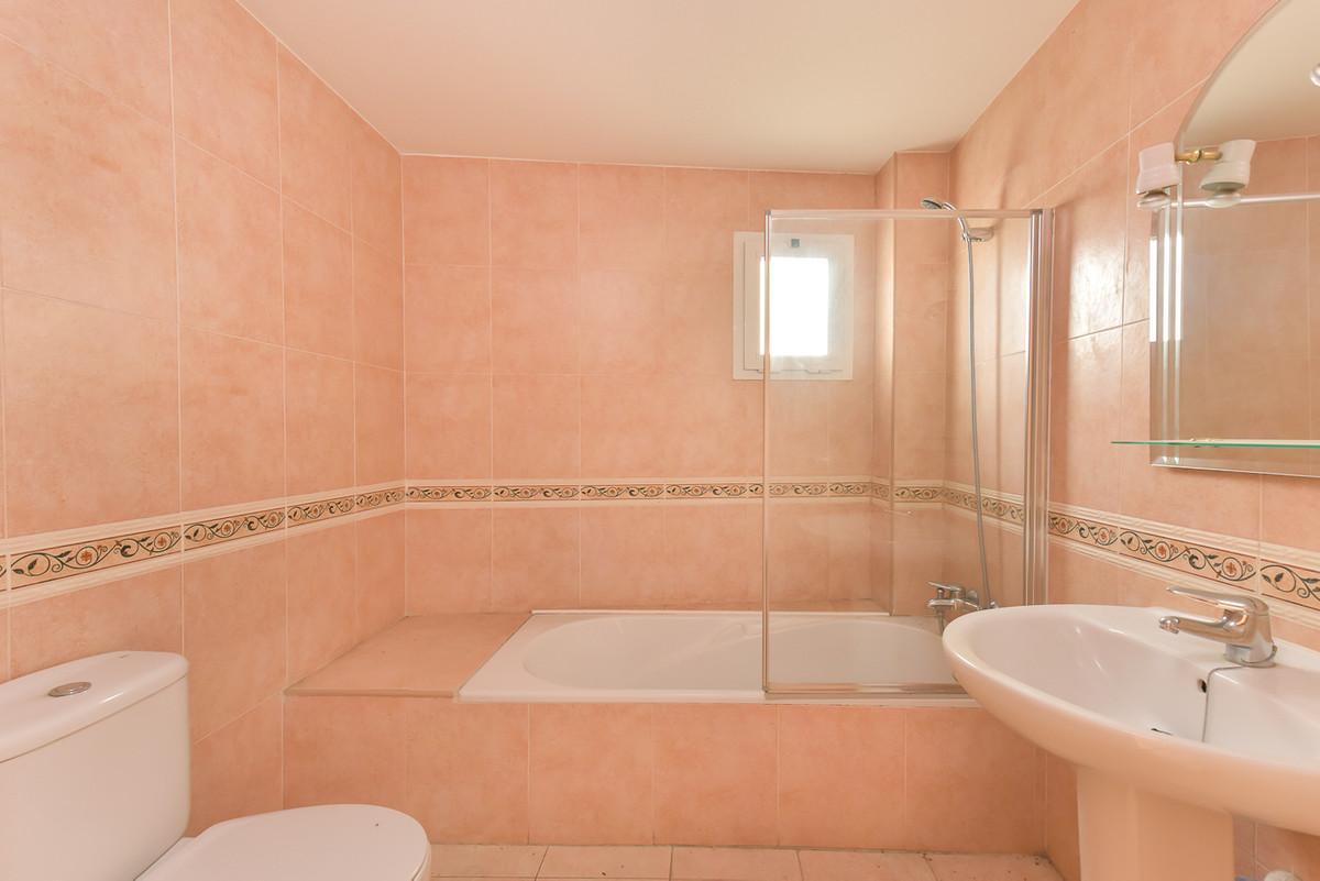 Apartamento con 1 Dormitorios en Venta Alozaina