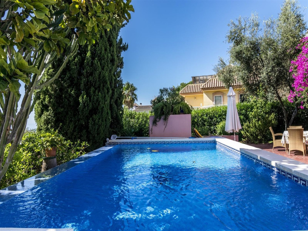 Nicely located villa with a private garden and pool for sale, situated close to all amenities and wi,Spain