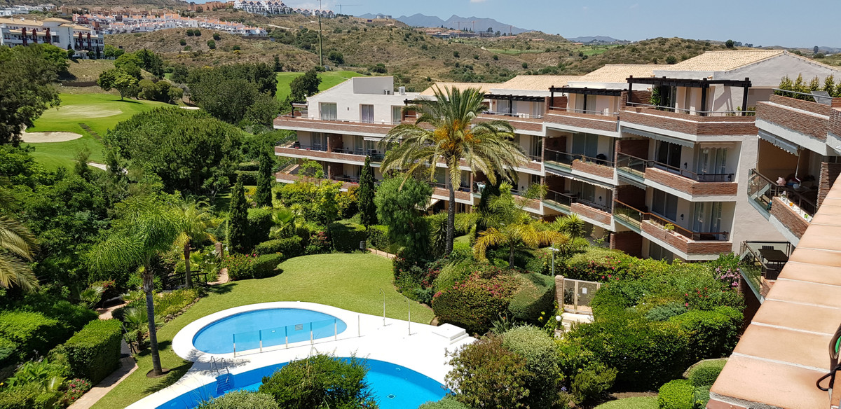 Excellent opportunity to buy a penthouse in one of Riviera de Sol´s best urbanizations. The communit,Spain
