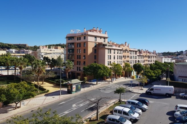 Great opportunity to purchase or rent a four bedroom apartment in the center of Malaga with view to ,Spain