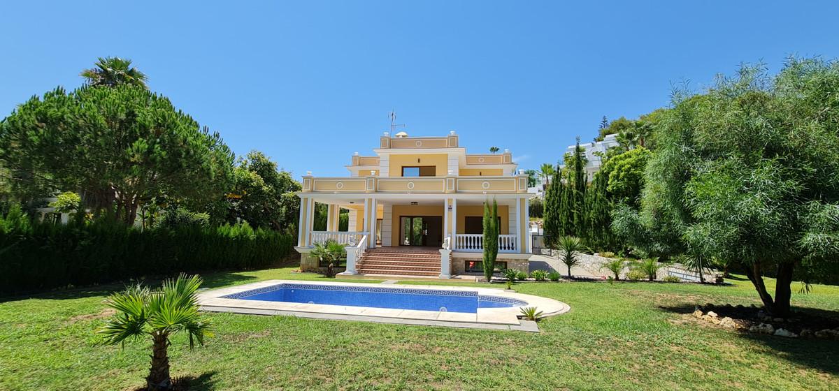 Marbella Banus Villa – Chalet en Venta en Las Chapas – R3550120