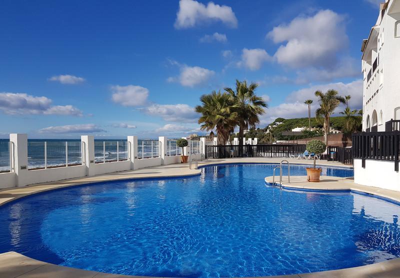 Apartamento Planta Media en venta, Calahonda – R3348565