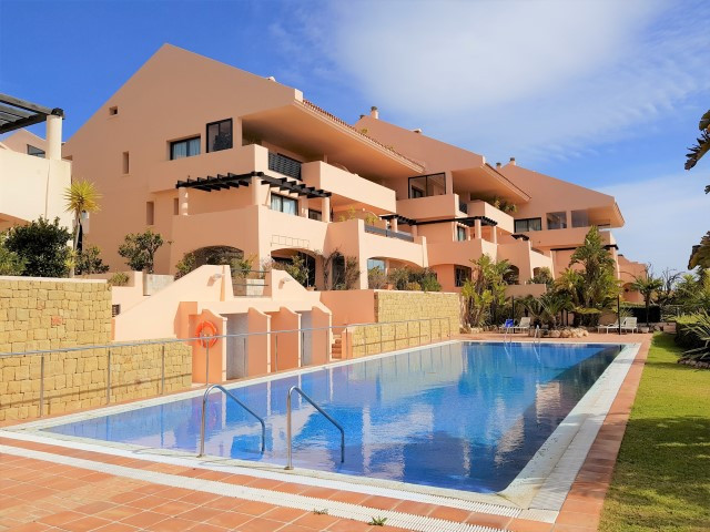 Nice ground floor apartment in upper Calahonda in Mijas Costa. Finished in 2004, this community offe, Spain