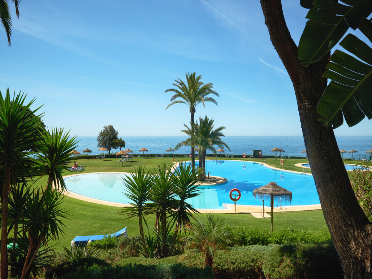 Middle Floor Apartment for sale in Cabopino