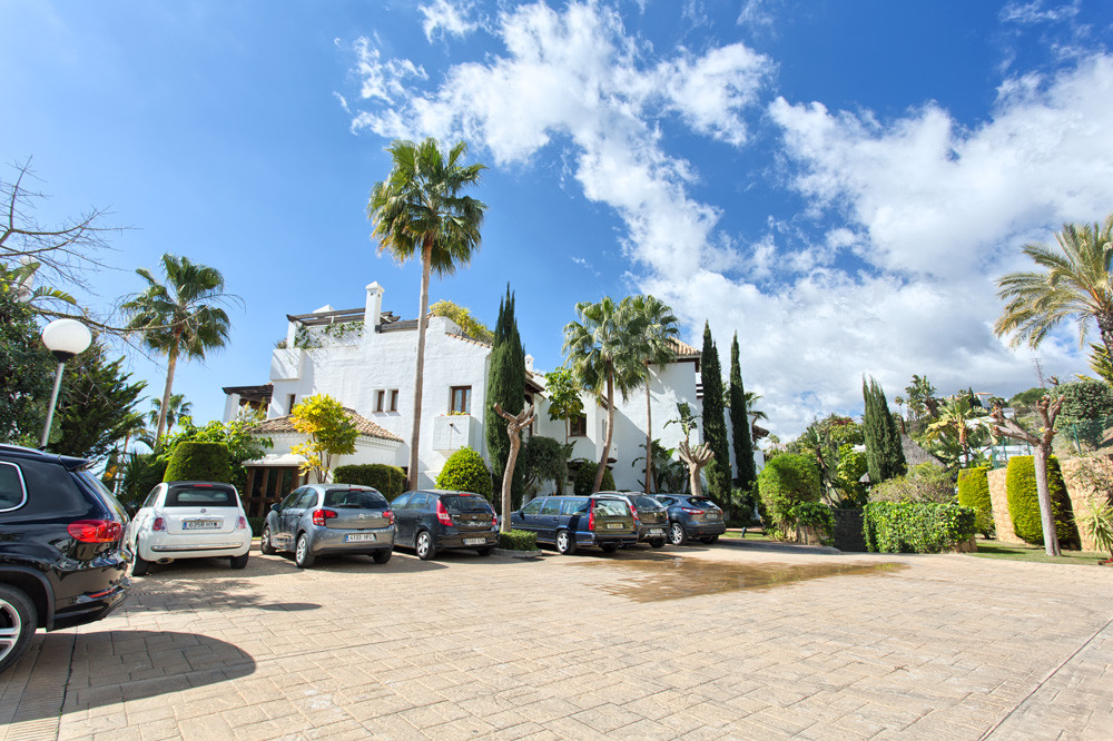 Luxury, spacious and quality townhouse in Benahavis. The townhouse is south to west facing with grea,Spain